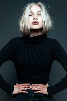 Ali Collier color by Bianca Hillier with Olaplex. Lifestyle Photography, Photography Poses, Fashion Photography, Model Test, Bleach Blonde, Poses For Photos, Tumblr Fashion, Studio Shoot, Photoshoot Inspiration