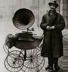 Barrel Organ.  Dignified and characterful portraits of Londoners, believed to be by photographer Donald McLeish (1879-1950), selected from the three volumes of Wonderful London edited by St John Adcock and produced by The Fleetway House in the nineteen-twenties.