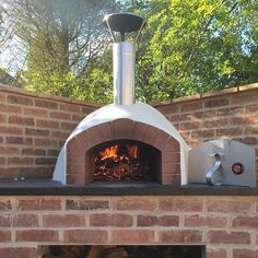It's looking like it's going to be a warm and #sunny #weekend Stone Bakers! We hope you're planning on some delicious #woodfired cooking. Remember to tag us in any of your photos, we just love seeing them! #thestonebakeovencompany #thestonebakeovenco #ovens #garden #food #foodie #alfrescodining #outdooreating #pizzas