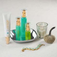 Treat your skin with the doTERRA®️️ Verage™️ Skin Care Collection. Using the same stringent standards found in our CPTG essential oils, the ingredients used in Veráge are of the highest quality and purity. Each product in the Veráge system contains plant extracts that have been extensively researched and shown to promote youthful-looking skin.