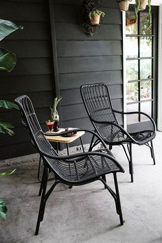 Chairs for Your Breathtaking Outdoor Furniture Here are types of garden chairs you could select for the amazing rustic decoration of your courtyard.Here are types of garden chairs you could select for the amazing rustic decoration of your courtyard. Wicker Furniture, Garden Furniture, Furniture Design, Black Outdoor Furniture, Furniture Ideas, Furniture Layout, Rustic Furniture, Wicker Dresser, Wicker Mirror