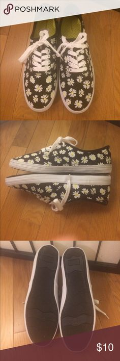 Daisy Print Sneakers NEVER WORN Adorable black sneakers with daisy print allover. Never been worn, perfect condition, canvas material Shoes Sneakers