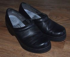 Dr Scholls gel pac insoles black leather clogs shoes womens size 7.5 #DrScholls #Clogs #Casual