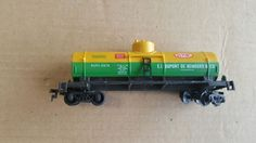 Life like HO Dupont single dome tank car #2679 #LifeLike