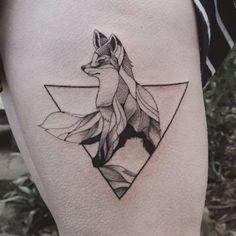 An adorable geometric fox tattooed by Jasper Andres. JasperAndres geometry nature fox triangle