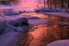 Pakkaspäivä hämärtyy - pakkanen joki pakkaspäivä hämärä hämärtyä sininen joki Kitkajoki Kuusamo talvi tammikuu jäätyä jäätyvä virta…