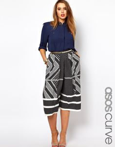 Shop for women's plus size clothing with ASOS. Discover plus size fashion and shop ASOS Curve for the latest styles for curvy women. Girl Fashion Style, Fashion Line, Modest Fashion, Fashion Styles, Dressed To The Nines, Asos Curve, Love Clothing, Free Clothes, Latest Fashion Clothes