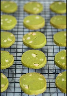 Green Tea Cookies (抹茶クッキー) - Enjoy your afternoon tea with these buttery, crispy Green Tea Cookies with Matcha powder. The unique flavor of matcha in the cookies is surprisingly delightful! Easy Japanese Recipes, Japanese Food, Green Tea Cookies, Cookie Recipes, Dessert Recipes, Tofu Recipes, Meatball Recipes, Drink Recipes, Asian Recipes