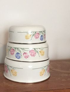 Set of 3 Vintage Nesting Enamel Bowls by TimelessSeconds on Etsy