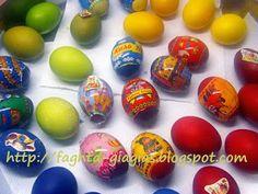 Πασχαλινά αυγά - πώς τα βάφουμε με φυσικές βαφές ή του εμπορίου Easter Eggs, Food And Drink, Blog, Easter Activities, Blogging
