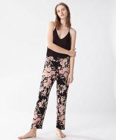 PIGIAMI - Stampati - Tendenze moda donna SS 2017 su Oysho on-line : biancheria intima, lingerie, abbigliamento sportivo, scarpe, accessori e costumi da bagno.