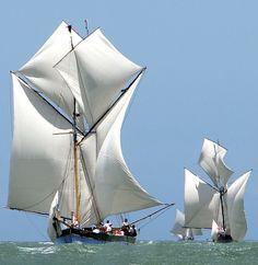 f12eb54b37320 สวยงาม Madagascar, Classic Yachts, Seafarer, Small Boats, Sail Away, Tall  Ships