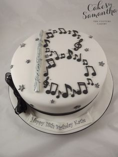 flute cake with the notes spread out rather than in the shape of a number. Fancy Cakes, Cute Cakes, Graduation Cake Designs, Graduation Ideas, Music Note Cake, Single Tier Cake, Bithday Cake, Music Cakes, Friends Cake