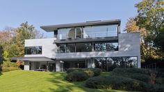 House in Uccle, Belgium by Bureau d'Architecture Marc Corbiau