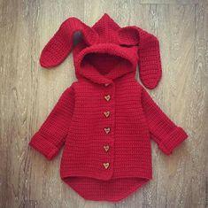 15 Ideas for crochet doll jacket baby cardigan Crochet Kids Scarf, Crochet Baby Poncho, Crochet Baby Clothes, Crochet For Kids, Knit Crochet, Knitted Romper, Crochet Ideas, Baby Cardigan, Baby Pullover