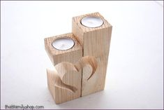 Rustic Barnwood candle holder with unique heart design- Rustikaler Barnwood Kerzenhalter mit einzigartigem Herz-Design … Rustic Barnwood candle holder with a unique heart design - Wood Projects For Beginners, Diy Wood Projects, Wood Crafts, Easy Small Wood Projects, Rustic Candle Holders, Easy Woodworking Projects, Unique Woodworking, Woodworking Plans, Woodworking Basics