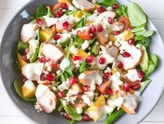 Zomerse salade met gerookte kip & mango - The Salad Junkie Salade Healthy, Healthy Salads, Healthy Cooking, Healthy Recipes, Salade Caprese, Clean Eating, Good Food, Yummy Food, Summer Salads