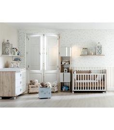 Acogedor #dormitorio infantil con cuna, cómoda cambiador, estantes y accesiorios. Ambiente dormitorio infantil modelo MINI 05 #niños. http://www.aristamobiliario.es/48-habitaciones-infantiles