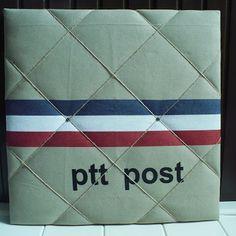 Memobord met postzakken stof!