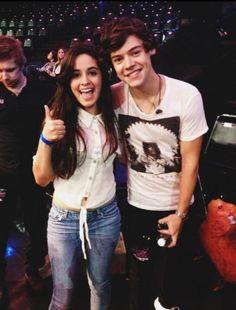 Camila Cabello (Fifth Harmony) with Harry Styles (One Direction) Harry Styles 2012, Harry Styles Cute, Harry Styles Imagines, Harry Edward Styles, Fifth Harmony, Demi Lovato, Justin Bieber, Larry, Bae