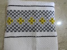 Pano de Copa com bordado em tecido xadrez em tecido atoalhado. <br>Aceito encomenda na quantidade e cor escolhida pelo cliente.