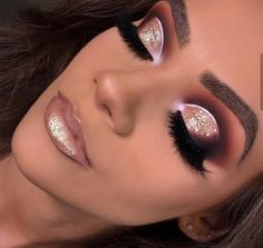 Make por Raquel Spósitto ❤ Teal Makeup, Pretty Makeup, Makeup Eyeshadow, Eyeshadows, Makeup Goals, Beauty Makeup, Party Makeup Looks, Latest Makeup Trends, Wedding Makeup Tips