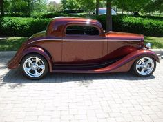 Beautiful paint on this 1934 Chevy