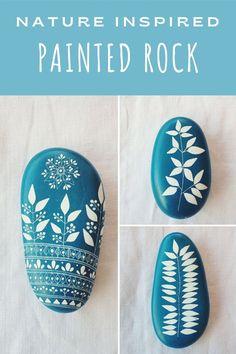 Pebble Painting, Pebble Art, Stone Painting, Rock Painting, Painted Pebbles, Hand Painted Rocks, Painted Stones, Rock Hand, Rock And Pebbles