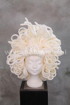 Bloemstyling 't Roosje Foam Wigs, Mannequin Art, Wig Hat, Fancy Costumes, Special Effects Makeup, Headdress, Mardi Gras, Diesel, Arts And Crafts