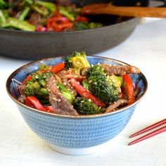 Healthy Broccoli and Beef. Tired of unhealthy Chinese takeout? This absolutely amazing broccoli and beef recipe has only 185 calories and will rock your world! Apple Recipes, Asian Recipes, Beef Recipes, Cooking Recipes, Healthy Recipes, Ethnic Recipes, Chinese Recipes, Healthy Options, Copycat Recipes