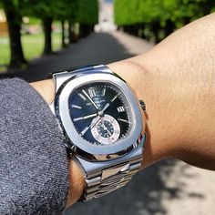 I love this watch and i said all #patekphilippe#nautilus#5980a#landscape#nature#richardmille#watchart#audemarspiguet#bovet#mbef#hublot#rolex#tourbillon#gold#beautiful#bugatti#laferrari#porsche#offshore#stinghd#likeforlike#day#instalike#love#followforfollow#f4f#love#peace by thewatchartclub