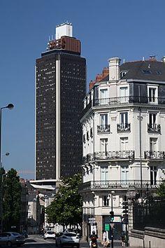Nantes. La Tour de Bretagne en centre ville, dite aussi le phallus de la Bretagne.