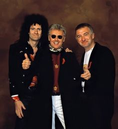 Brian May, Roger Taylor and John Deacon - The Freddie Mercury tribute concert, Wembley Stadium April 1992 Queen Ii, I Am A Queen, Save The Queen, Queen Pictures, Queen Photos, Queen Images, John Deacon, Freddie Mercury Tribute Concert, Queen Brian May