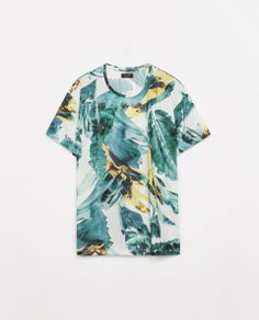 PRINTED T-SHIRT Ref. 1165/315  HEIGHT OF MODEL: 186 CM.SIZE L  29.90 CAD OUTER SHELL  100% POLYESTER