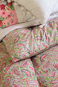 Vintage Home - Delicious Apple Green and Paisley Eiderdown.