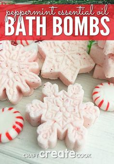 Create your own home spa by adding Peppermint Bath Bombs and enjoying a relaxing evening in, reading a book, or listening to a little music. Try making your own easy bath bombs for your yourself or give them as Christmas gifts! Essential Oil Bath Bombs, Essential Oils, Christmas Bath Bombs, Bath Boms, Homemade Bath Bombs, Bath Bomb Recipes, Diy Spa, Homemade Beauty Products, Diy Christmas Gifts