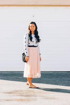 Tulle skirt, heart sweater, leopard flats #modestfashion #tulleskirt #bloggerstyle