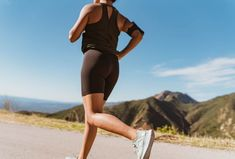 Shin splints, one of the common running injuries, can be prevented with some simple steps. Try these strategies to avoid shin pain when running. Shin Stretches, Walking Up Stairs, Lose Weight Running, Running Injuries, Leg Curl, Shin Splints, Knee Pain, Health Fitness, Sporty