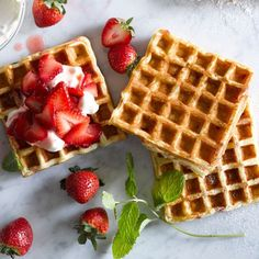 Waffles with Strawbe
