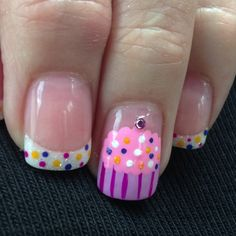 Cupcake nail design