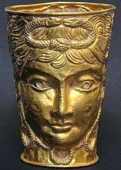 Achaemenid gold cup ca 400 BCE