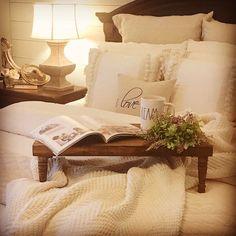 Trendy breakfast in bed tray ideas guest rooms 49 ideas Bedroom Bed, Cozy Bedroom, Home Decor Bedroom, Bedrooms, Bedroom Ideas, Master Bedroom, Bed Tray Diy, Country Bedroom Design, Guest Bed
