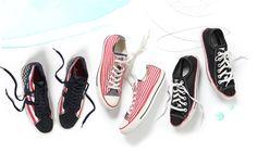 sneakers-bg