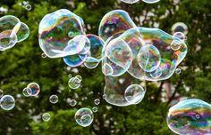 """A GoGo Bubbles trouxe mais diversão para as crianças. Graças a uma """"luva mágica"""", as bolhas de sabão... - Foto: Shutterstock"""