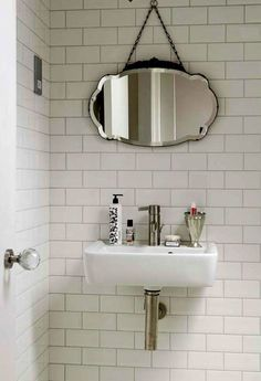 Art Deco Beveled Mirror. Me encanta los cuadritos blancos.. se ven muy bien *.*