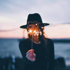 Image uploaded by Nera Nery. Find images and videos about girl, photography and summer on We Heart It - the app to get lost in what you love. Tarot Osho Zen, Girl Photography, Creative Photography, Sparkler Photography, Night Portrait, Tumblr Girls, Belle Photo, Aeropostale, Senior Pictures