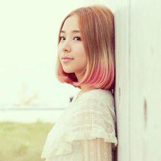 Airplane Wednesdays: Heidi Lee (李靜儀) of Super Girls - AX3 Battery #HK #Supergirls #HeidiLee #EyeCandy #HongKong #Girl