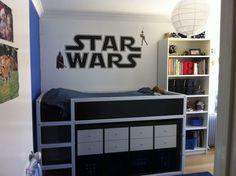 Add Storage Place to kura // Ikea aus u… - Geniale Hacks Cama Ikea Kura, Ikea Bunk Bed Hack, Ikea Kids Bed, Kura Hack, Kallax Hack, Kallax Shelf, Chambre Nolan, Star Wars Bedroom, Under Bed