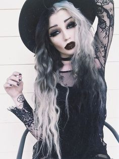 pretty, pretty goth/witchy fashion.