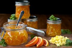 Orange-Pineapple Marmalade - easy to make (it's a freezer jam so there's no canning knowledge needed). It's like a bit of sunshine spread on your toast! For Dave❤️ Jam Recipes, Canning Recipes, Marmalade Recipe, Marmalade Cafe, Salsa Dulce, Freezer Jam, Jam And Jelly, Food Gifts, All You Need Is